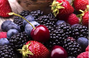 Berries have high fiber and antioxidants that keeps memory sharp