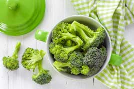 Broccoli is very rich in fiber which treats cancer