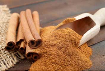 Cinnamon water gargle also helps in soothing throat pain