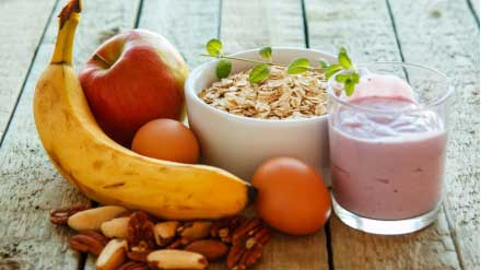 Eat healthy snacks to stay fit and energetic
