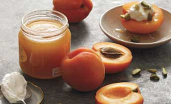 Apricot powder acts as a good scrub and clears the skin