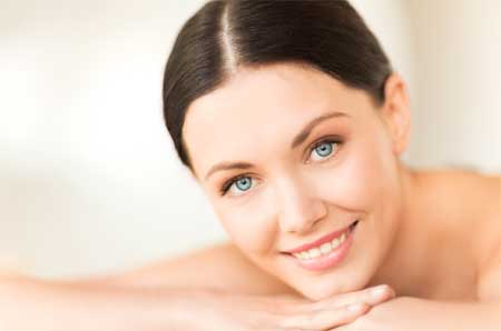Olive oil keeps the skin youthful and away from aging by removing fine lines