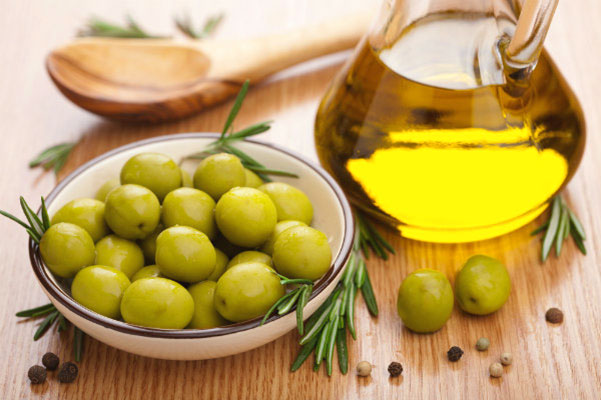 Amazing Beauty Benefits of Olive oil for Skin care, Hair care