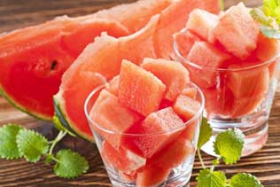 Cucumber and watermelon juice lightens your skin tone