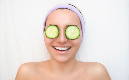 Homemade Remedies for Dark Circles Slices on Eyes