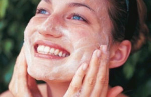 Best Home Made Remedies to remove Acne Scars