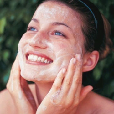 Simple and Best Remedies to Remove Acne Scars