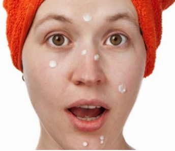 Natural Homemade remedies to cure Pimples