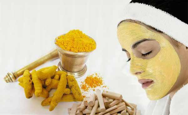 Homemade Turmeric Face-pack to Get Rid of Blackheads