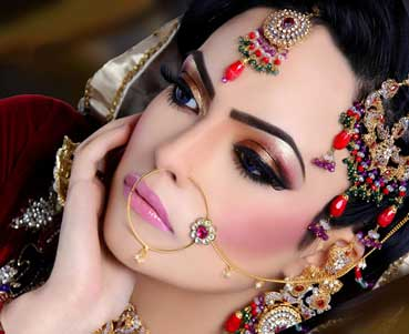 Get lovely skin with home-made face packs for your wedding day