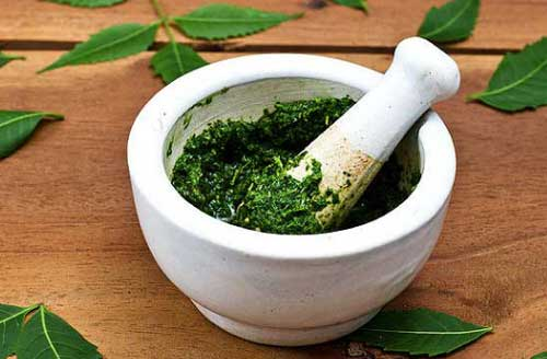 Neem Juice to Remove Dandruff