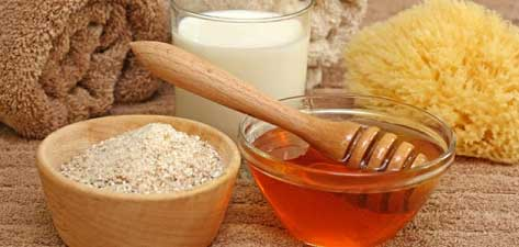 Oatmeal and honey are good moisturizers for the dry skin