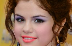 Pretty Prom Makeup