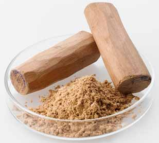 Sandalwood powder to treat the prickly heat rash