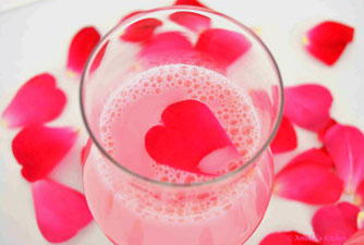Pink Lips Naturally - Rose Petals in Milk