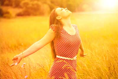 Embracing sunlight for few minutes gives your body healthy amount of vitamin D