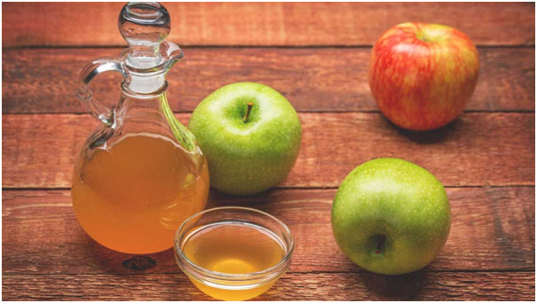 Being anti-inflammatory in nature, apple cider vinegar treats rashes effectively