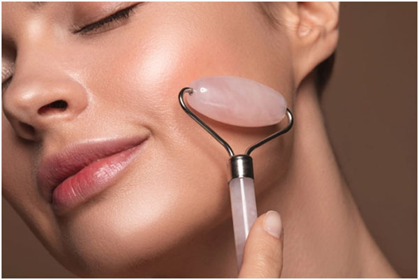 How To Use The Jade Roller On Your Face
