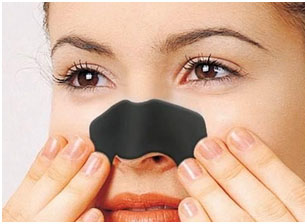 Blackheads are treated with the help of lemon and skin gets clear