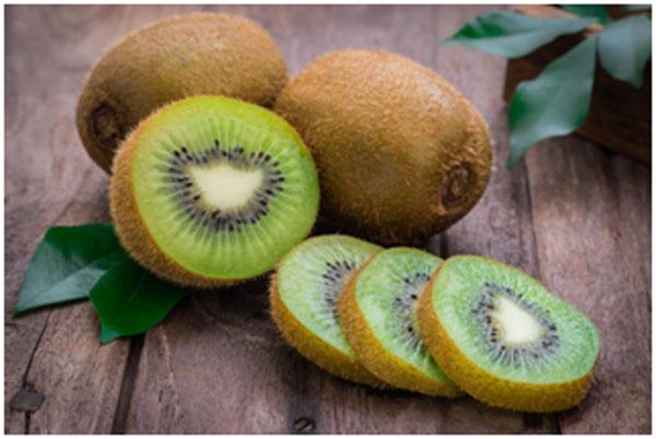 Kiwi To Treat Freckles