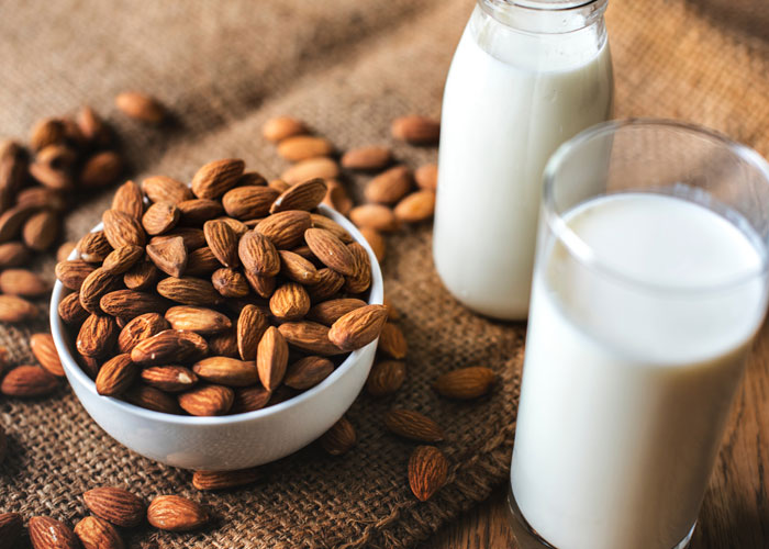 Almond And Milk Pack for Anti-Aging