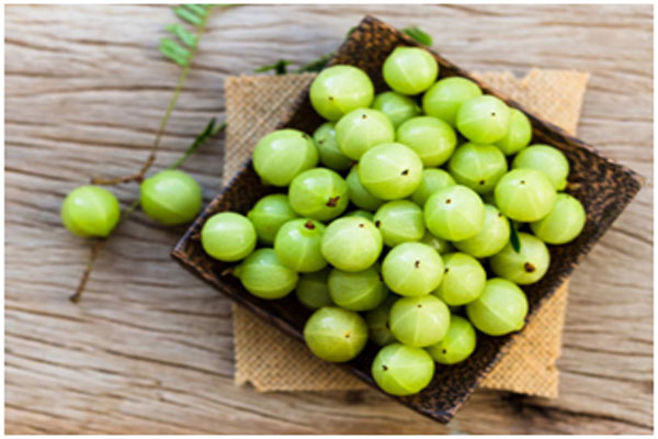 Amla is packed with vitamin C that clears up acne and pimple from the skin