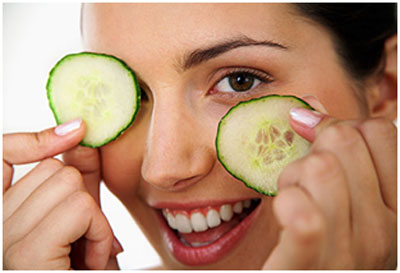 Cucumber provides moisture to the skin and refreshes the tired eyes