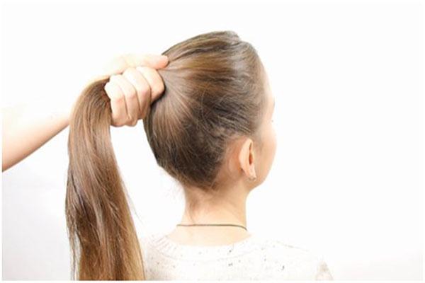 Avoid Tight Hair Tie