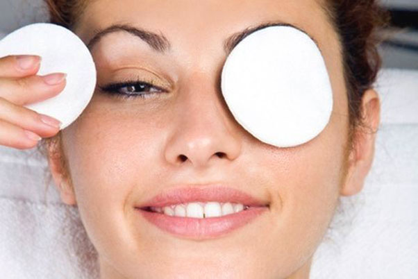 Natural Homemade Remedies for Dark Circles