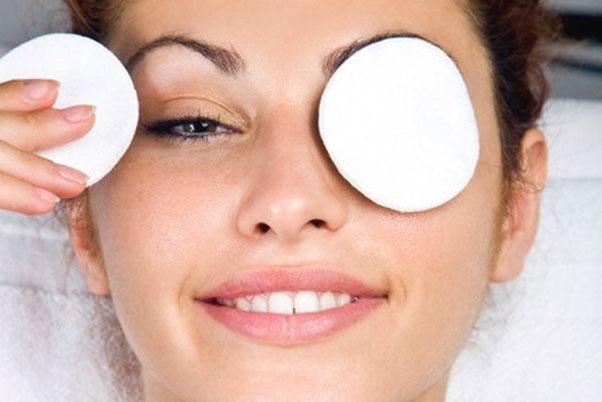 Natural Homemade Remedies for Dark Circles