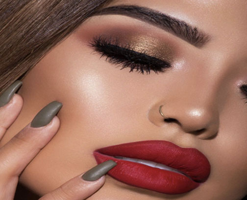Metallic Red For Bright Lips - Beauty Trends For Christmas Festival