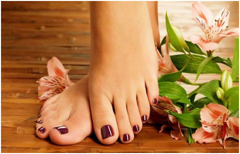 Natural Tips For Treating Dry And Cracked Feet