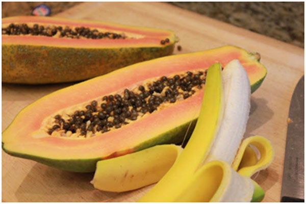 Banana and papaya improves the strength of hair and makes them straight