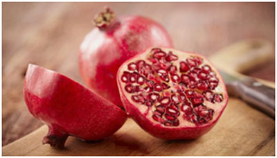Pomegranate contains vitamins that keeps the skin healthy and ageless