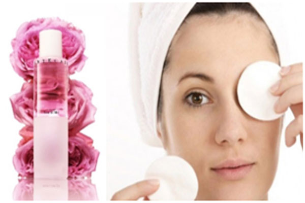 Rose water refreshes the eyes and reduces puffiness of the tired eyes