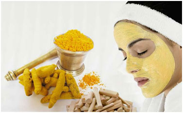 Turmeric and sandalwood absorbs excess oil from the face