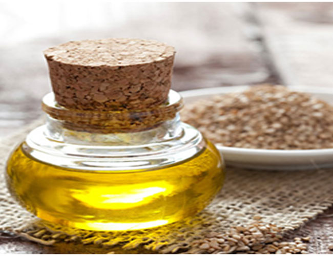 Sesame oil and honey acts as a moisturizer