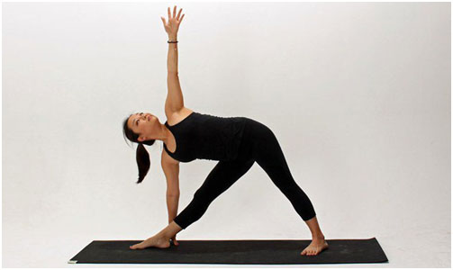 Triangle Pose (Trikonasana) Yoga Pose To Burn Belly Fat Faster